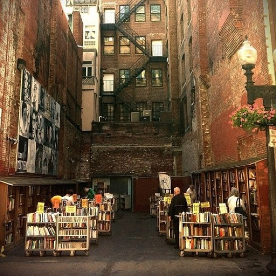 The-Brattle-Book-Shop-in-Boston